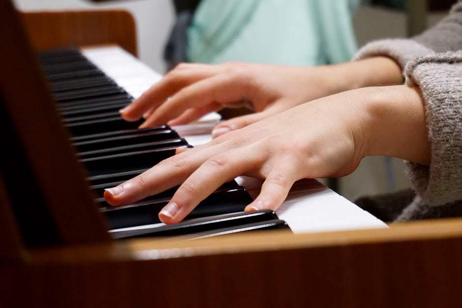 piano desk perfect the piano from your desk